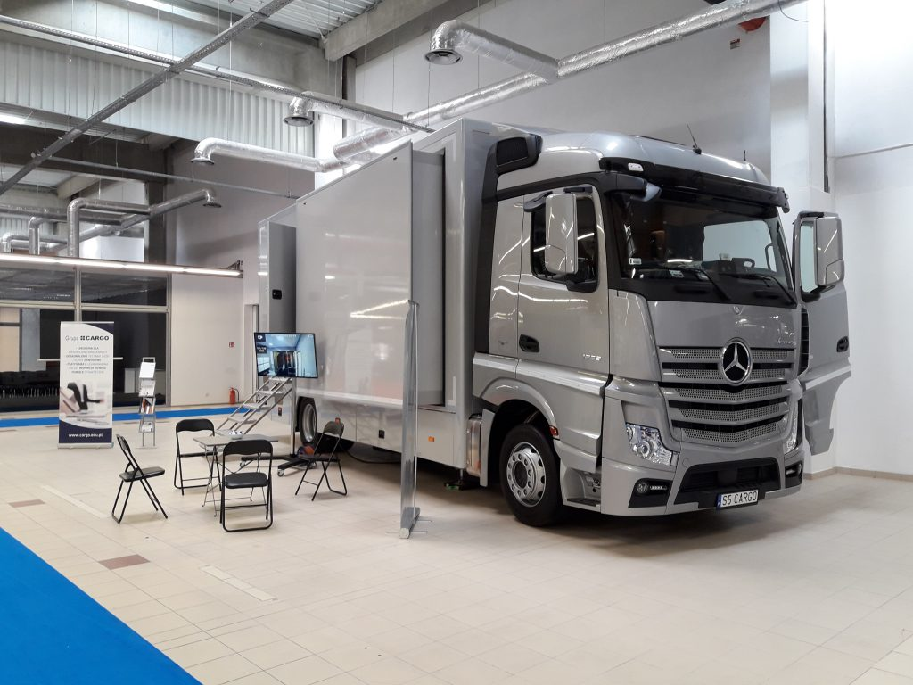 CARGO simulator truck